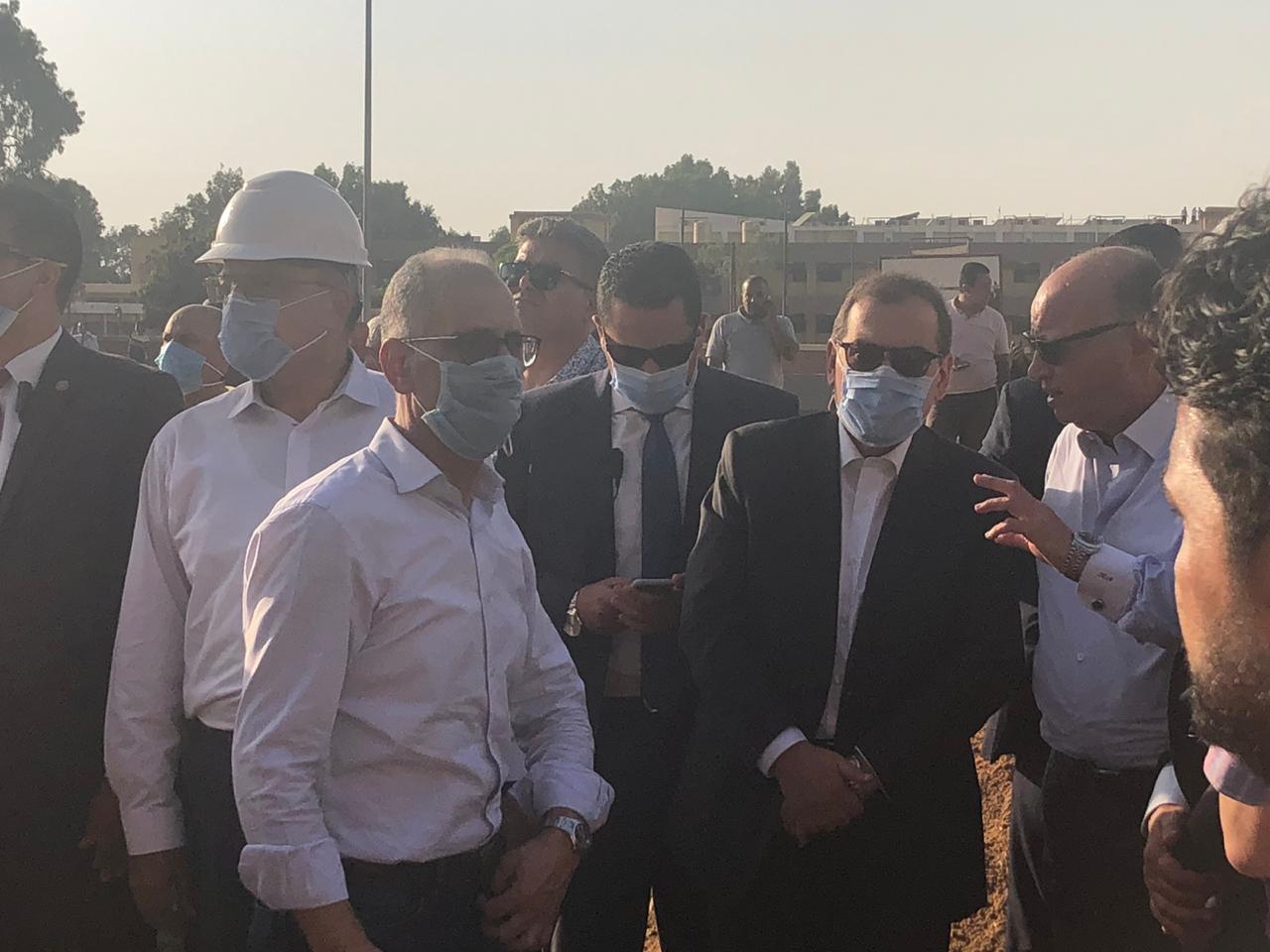 وزير البترول يتابع الحادث