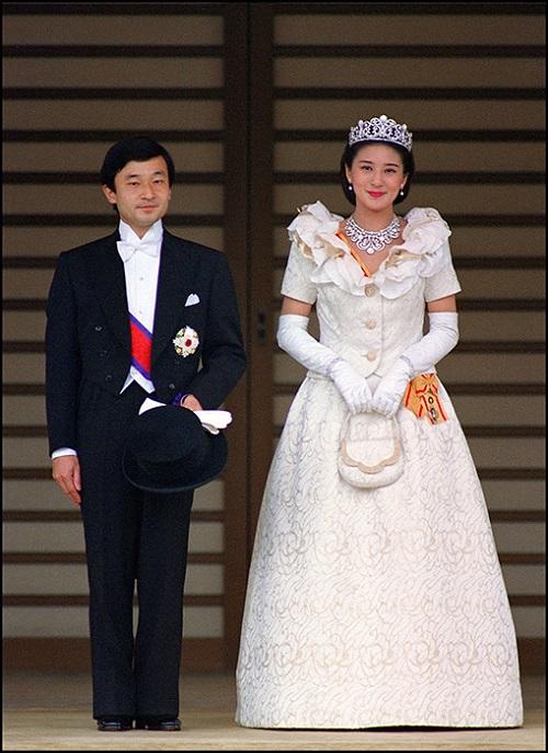 الأميرة ماساكو من فستان زفاف اليابان