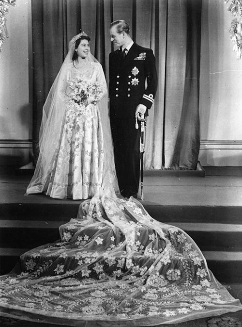 فستان زفاف الأميرة إليزابيث