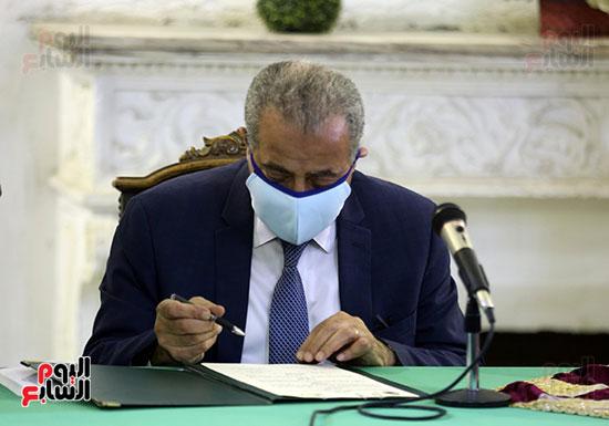 وزير التموين يوقع برتوكول تعاون مع وزارة الاوقاف