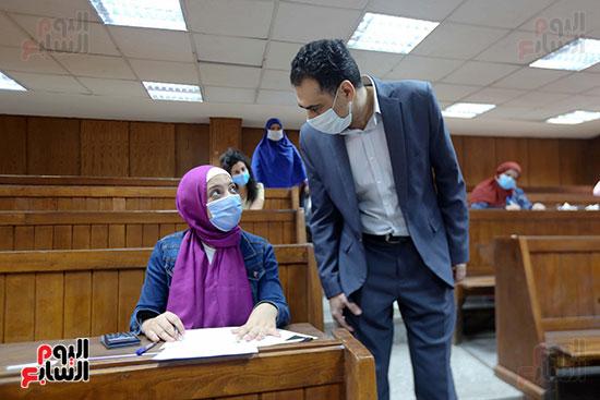 جولة عميد اقتصاد علي الطلاب بجامعة القاهرة (3)