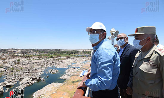 رئيس اوزراء يتفقد كوبى بديل الخزان تصوير سليمان العطيفى (6)
