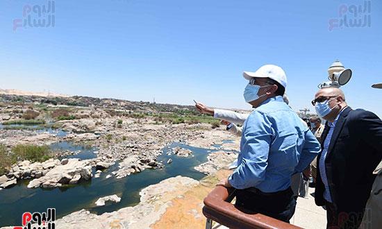 رئيس اوزراء يتفقد كوبى بديل الخزان تصوير سليمان العطيفى (5)