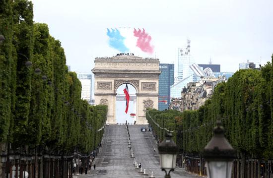 العروض الجوية فى سماء باريس