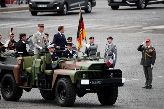 الرئيس الفرنسى ماكرون يصل إلى مكان العروض