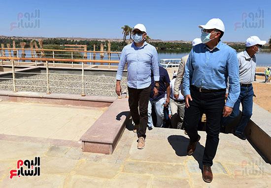 رئيس الوزراء يتفقد مشروع الشريط النهري (5)
