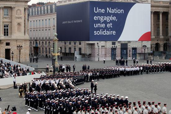 عروض الجيش الفرنسى فى باريس