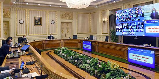 اجتماع مجلس الوزراء عبر تقنية الفيديو كونفرانس (11)
