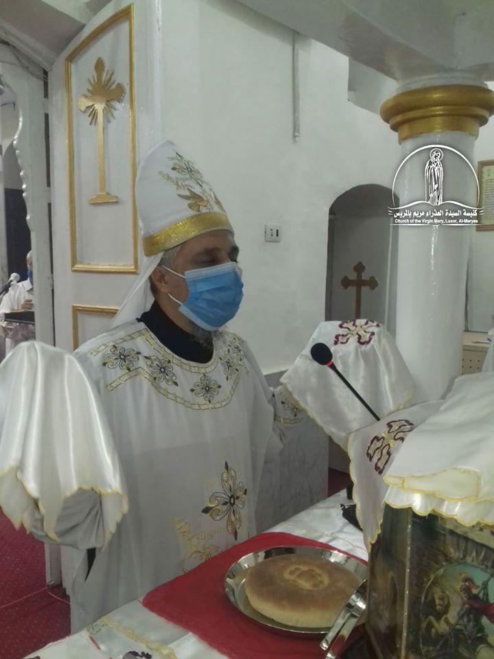 كنيسة العذراء مريم بالمريس غرب الأقصر تقيم القداس الإلهى صباحاً  (1)