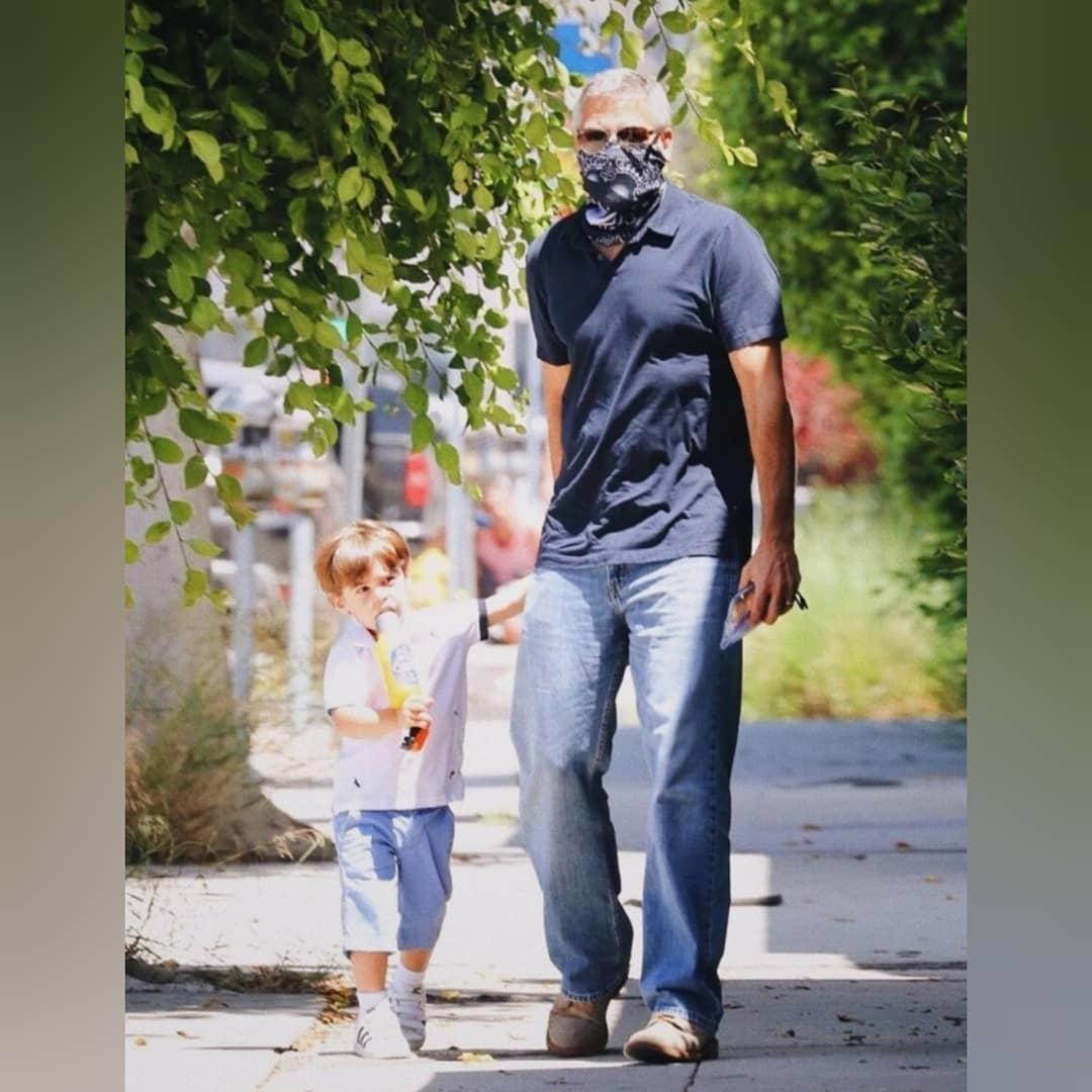 أحدث ظهور جورج كلونى مع أبنة أليكساندر في لوس أنجلوس  (2)