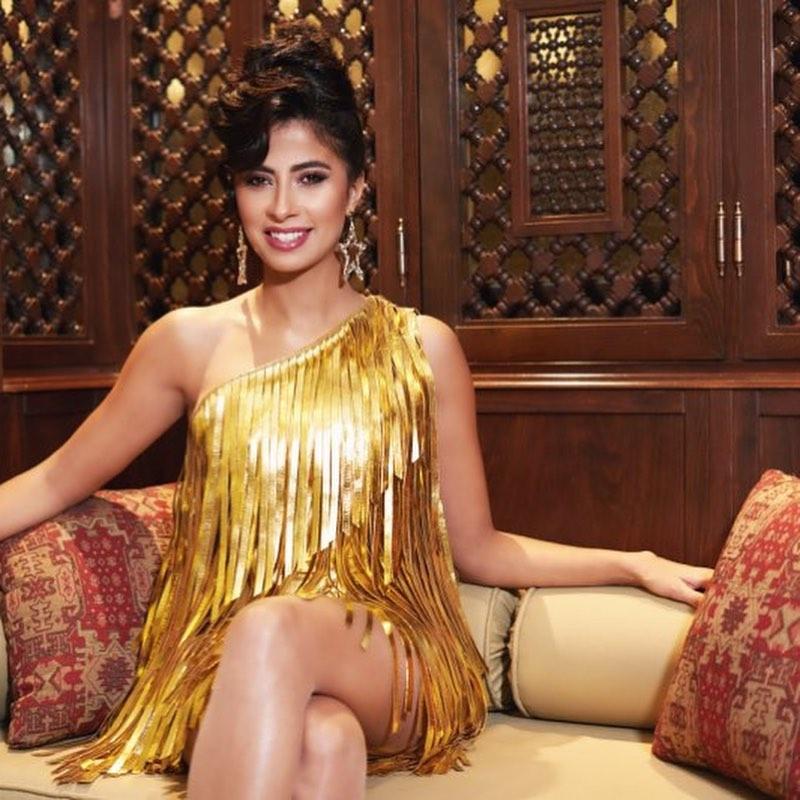 الفستان الذهبى