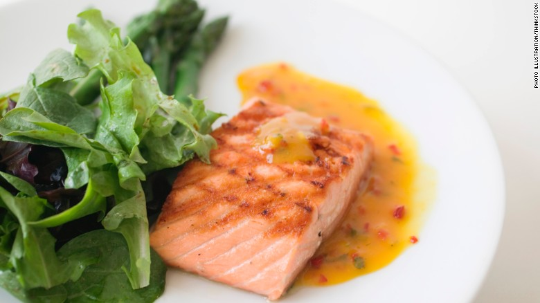 120404112614-superfoods-grilled-salmon-exlarge-169 (1)