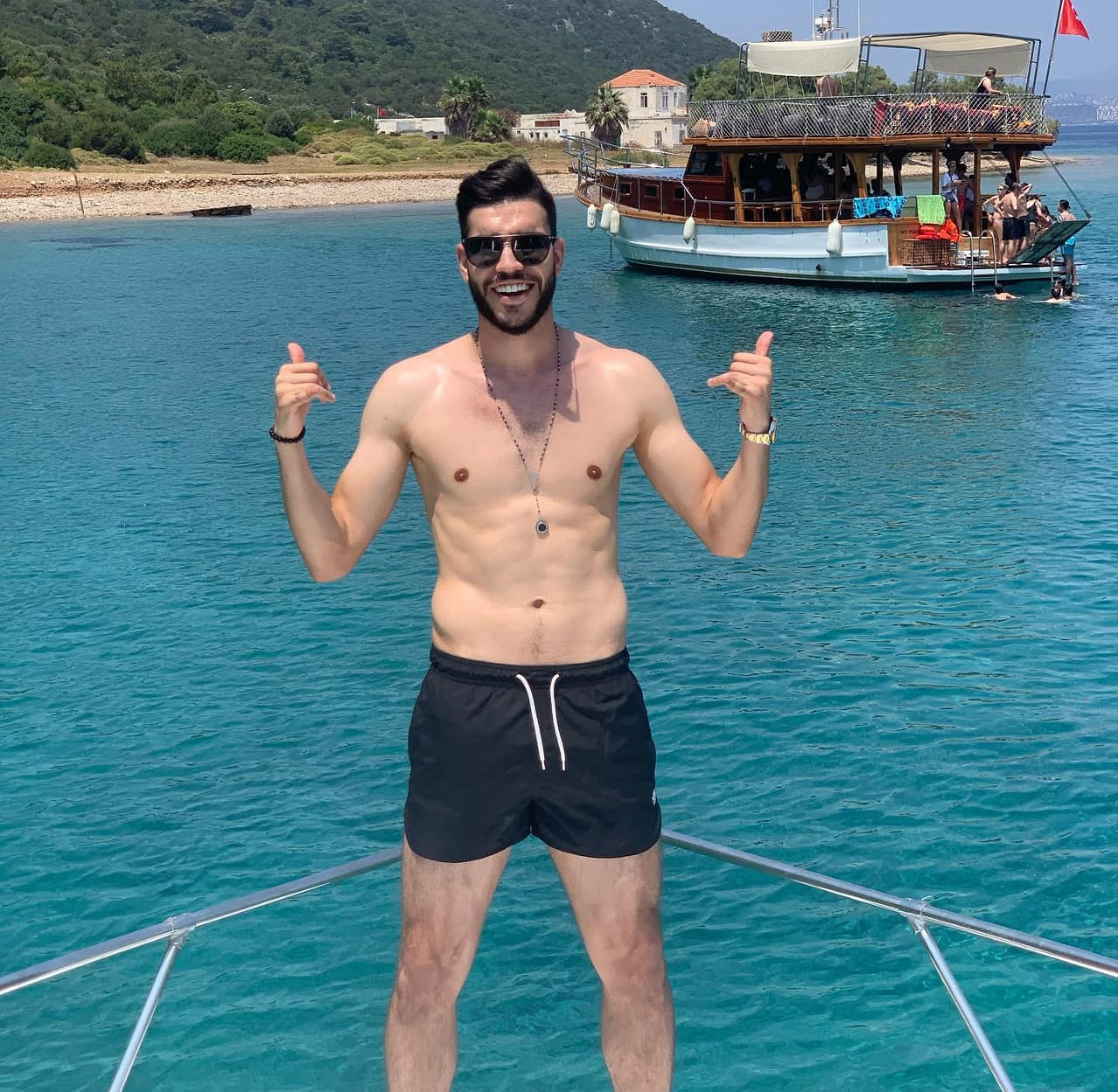 أزارو على البحر