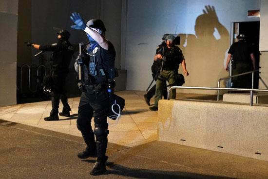الأمن الأمريكى بمحيط المظاهرات