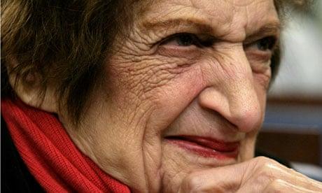 هيلين توماس فى عمر التسعين