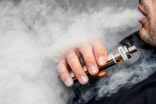 1800x1200_vaping_1_other