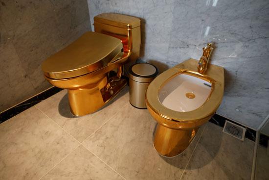 مراحيض من الذهب