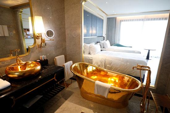 الأحواض من الذهب عيار 24