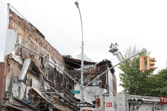 المبنى عقب انهياره
