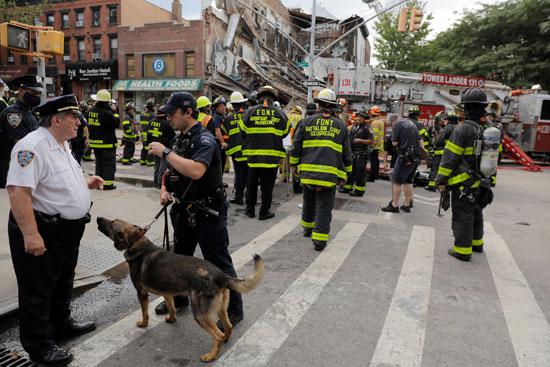 تعزيزات أمنية بموقع انهيار مبنى