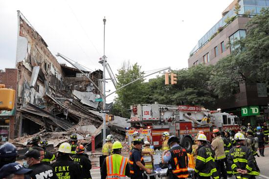 انهيار مبنى من 3 أدوار فى نيويورك