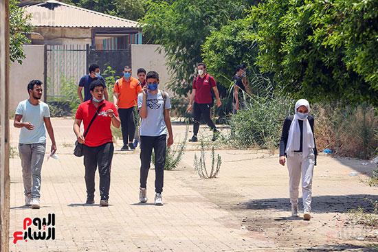 خروج  الطلاب