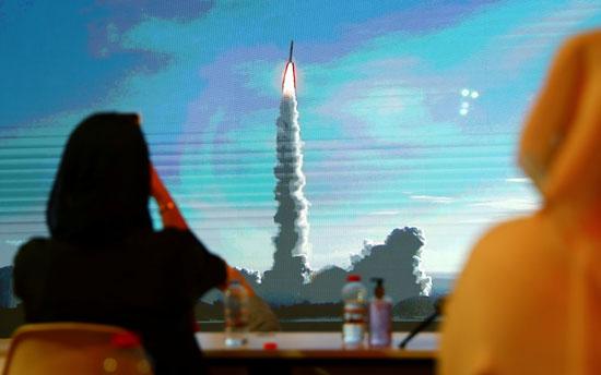 متابعة لحركة الصاروخ عقب الاطلاق