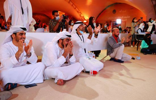 فرحة العاملين فى مركز محمد بن راشد للفضاء