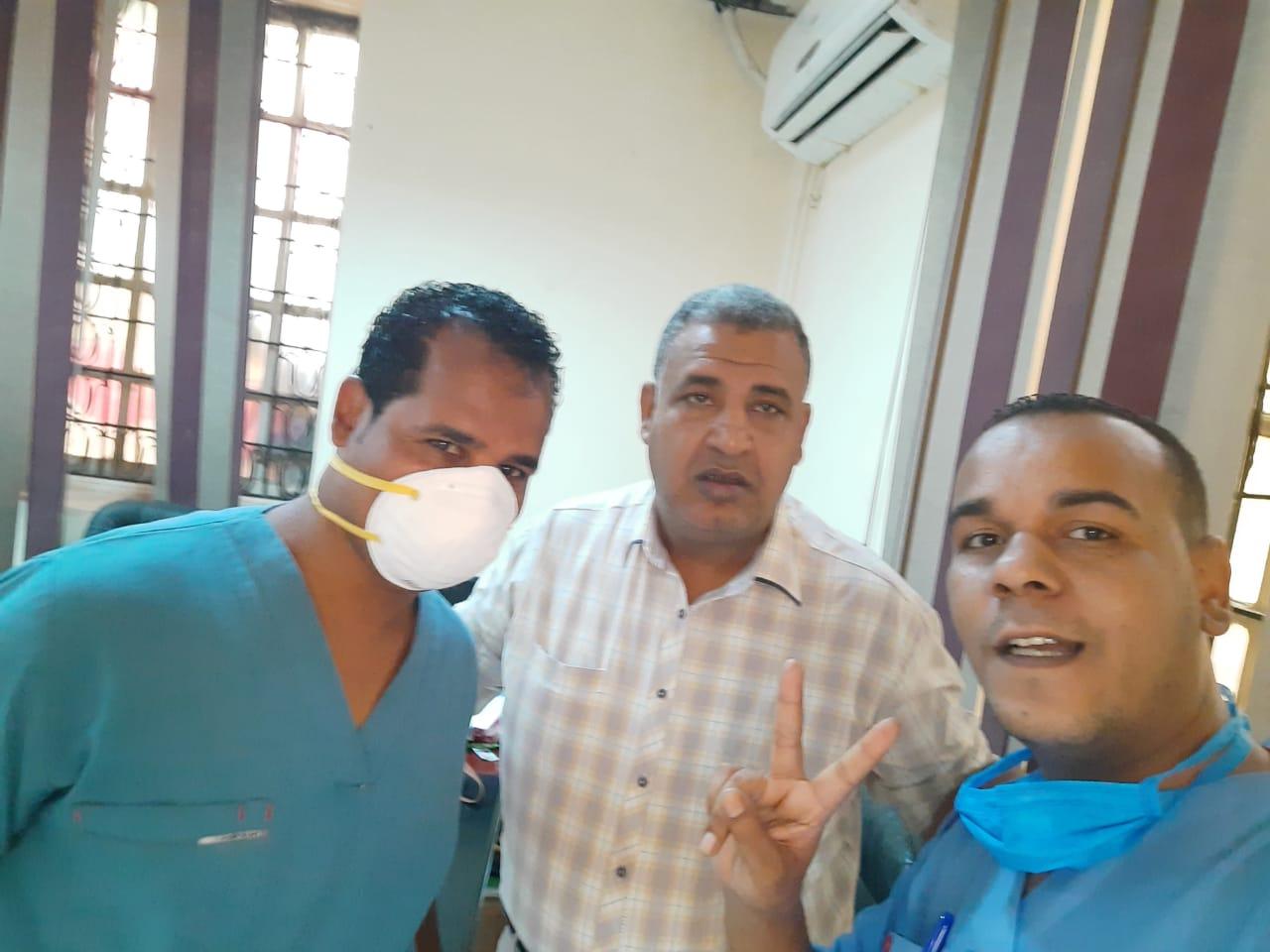 عملية جراحية جديدة لمصاب بفيروس كورونا داخل مستشفى الأقصر العام (6)