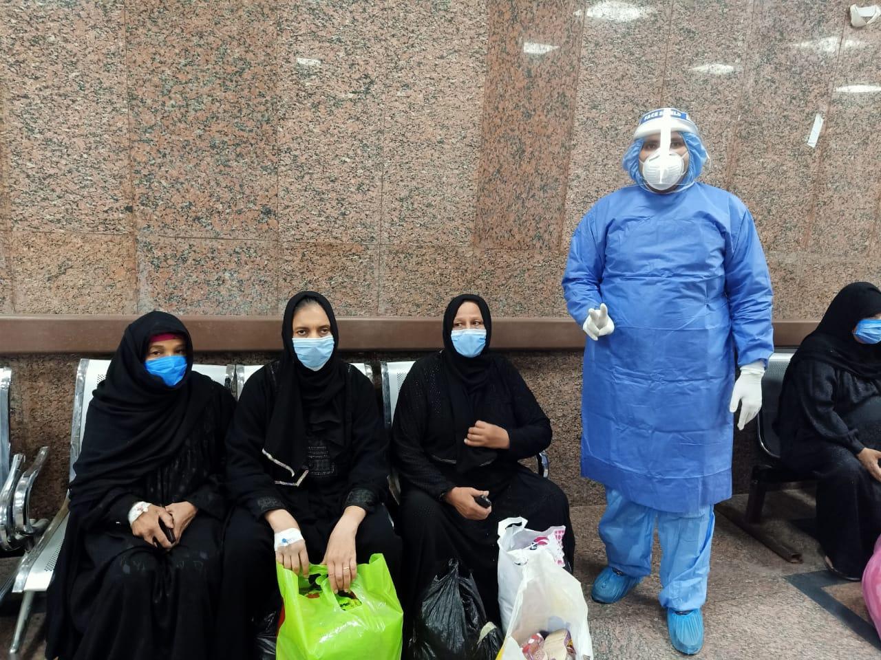 مستشفى الأقصر العام للعزل تعلن خروج 5 حالات جديدة بعد شفاؤهم  (1)