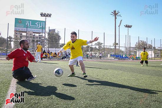 اثناء المباراة بين الفريقين