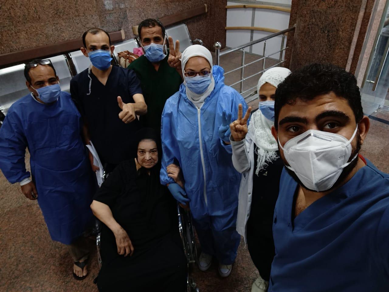 شفاء 3 حالات من كورونا بمستشفى الأقصر العام (1)