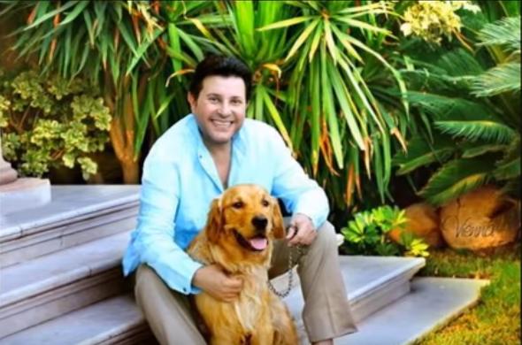هانى شاكر مع كلبه