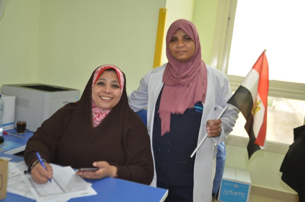 فاطمة كرم عبد الظاهر مسئولة العينات وتحليل الـPCR بطلة الأرقام القياسية  (1)