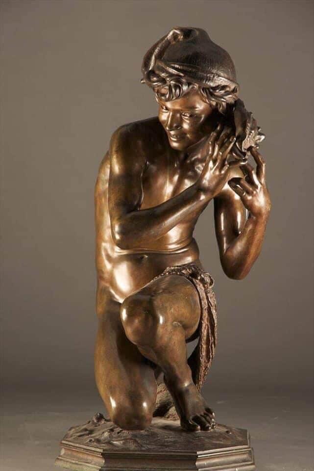التمثال المعروض لدى متحف المجوهرات الملكية بالإسكندرية