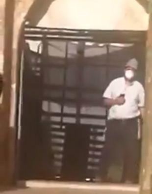المستوطن امام باب المغاربة