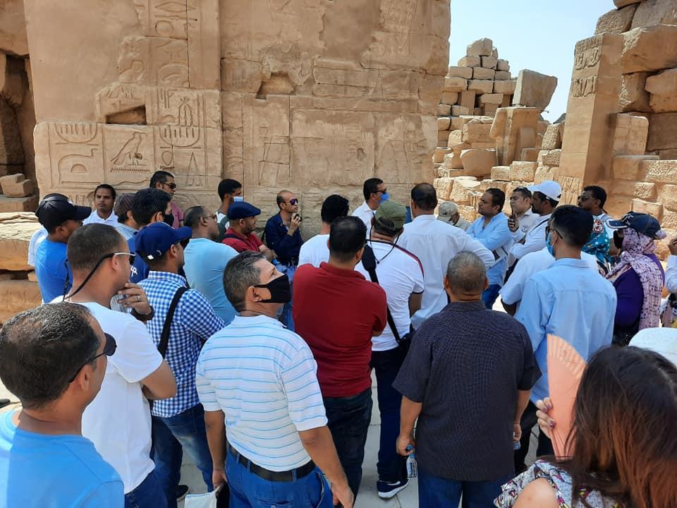 زيارة جديدة لمعابد الكرنك من المرشدين السياحيين لتنشيط السياحة  (3)