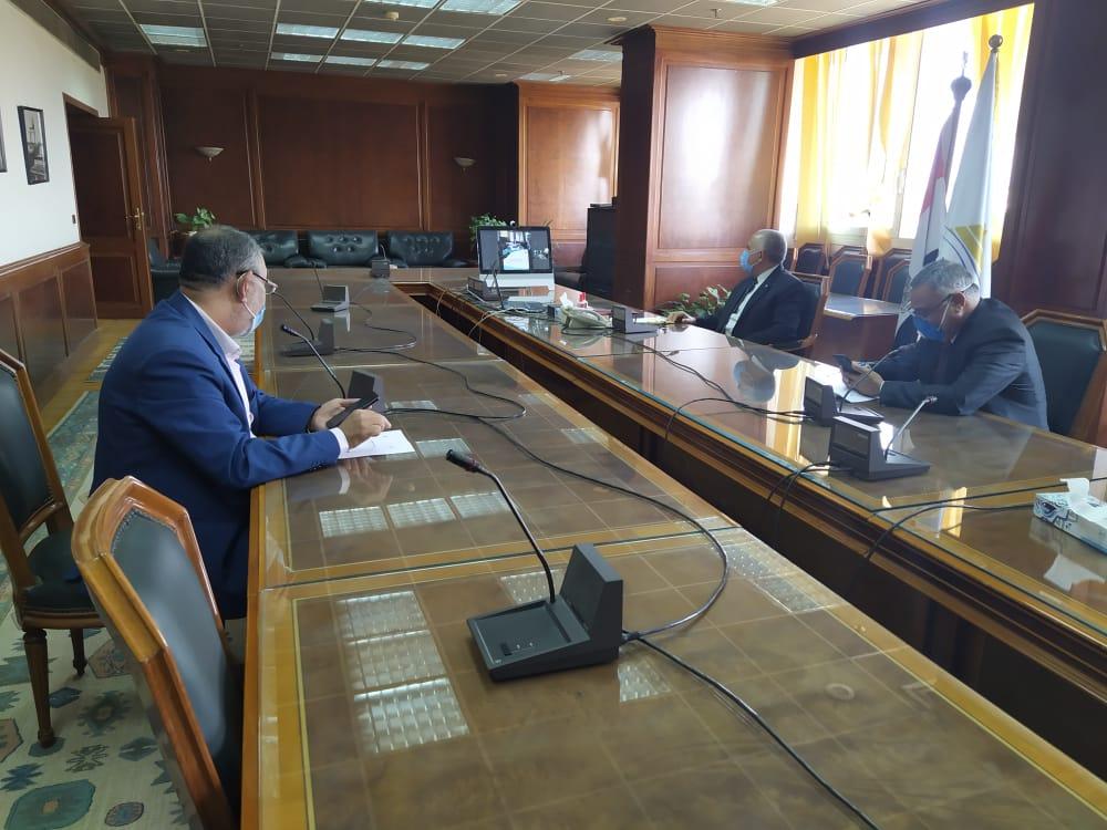 اجتماع وزيرا الرى والزراعة   (9)