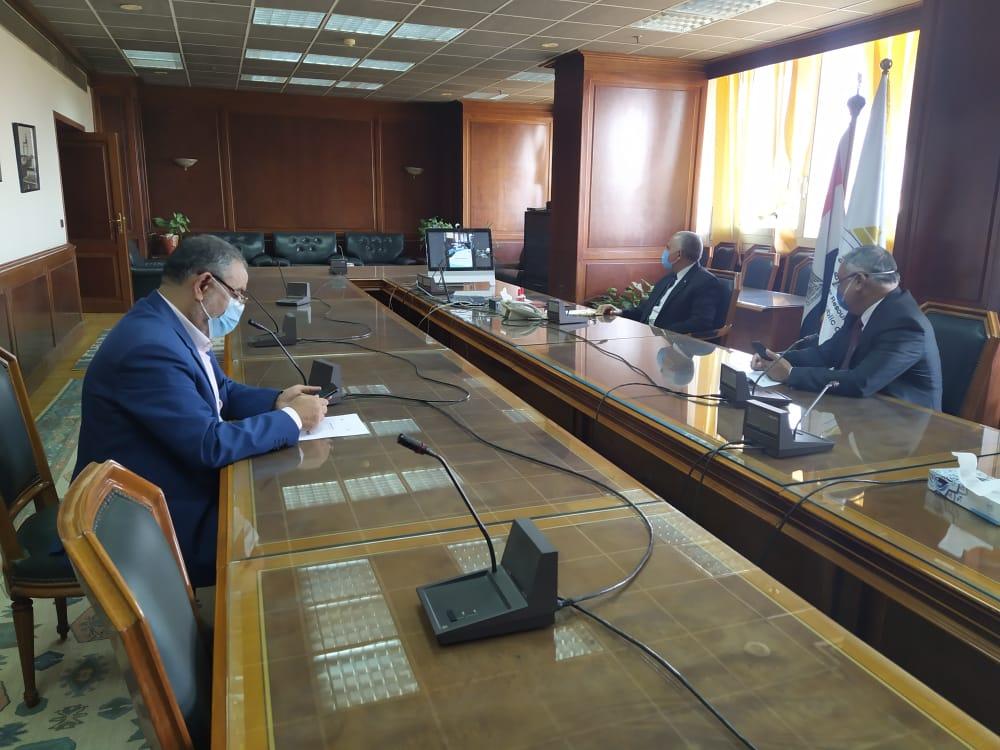 اجتماع وزيرا الرى والزراعة   (5)