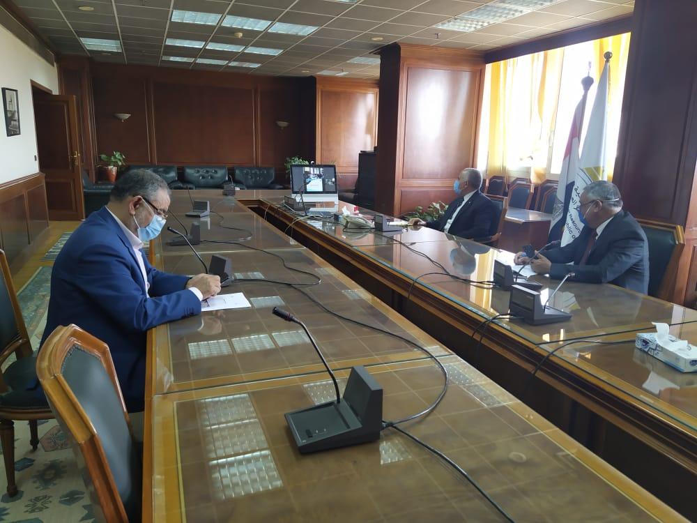 اجتماع وزيرا الرى والزراعة   (6)
