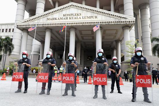 2020-07-28T021233Z_1817816941_RC222I989Z5G_RTRMADP_3_MALAYSIA-POLITICS-NAJIB