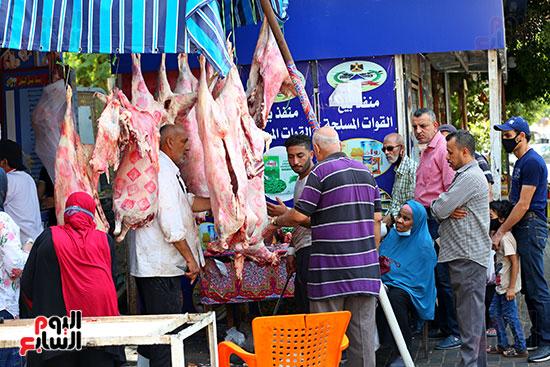 زحام على اللحوم قبل العيد