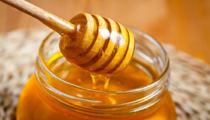 وصفات طبيعية من العسل للعناية بالبشرة