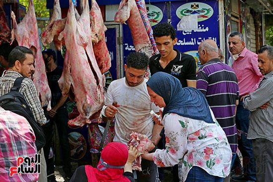اقبال المواطنين على شراء اللحوم