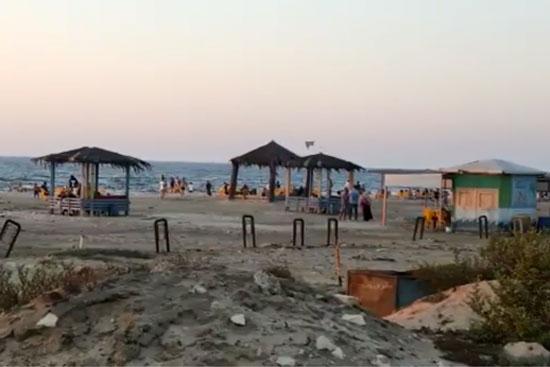زحام بشاطئ النخيل برأس البر  (1)