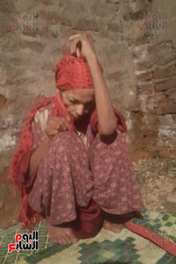 فادية 22 عاما من العزلة داخل منزل بالمنيا على يد شقيقها (2)