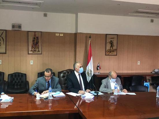 الدكتور محمد عبد العاطى وزير الرى (4)