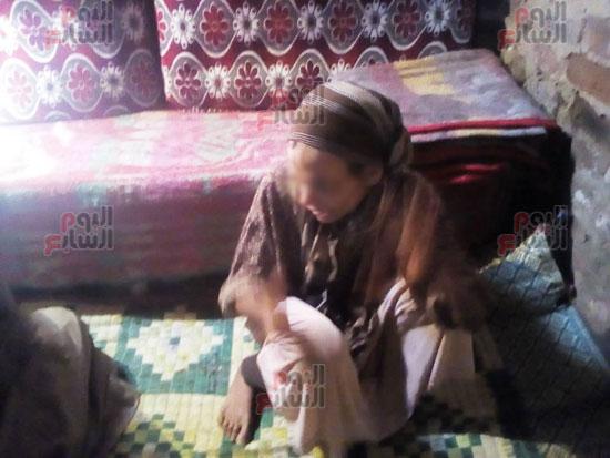سيدة-حبسها-شقيقها-22-عاما-فى-المنيا-دون-رعاية-(1)