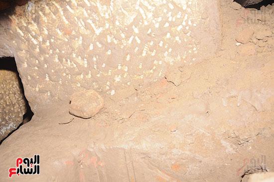 جانب-من-المنزل-الذى-يقع-على-بعد-200-متر-من-معبد-مدينة-إسنا-(2)