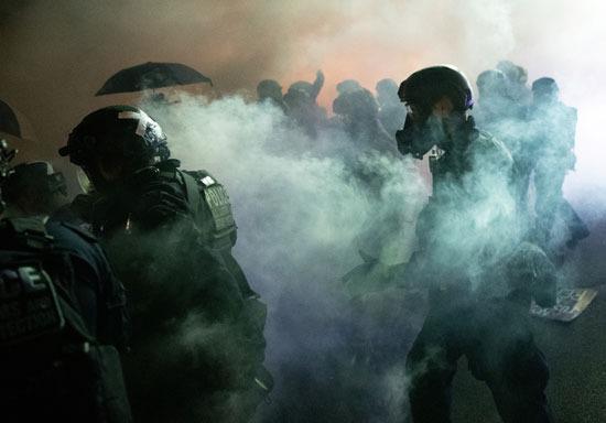 تجدد المواجهات بين المتظاهرين والشرطة في بورتلاند